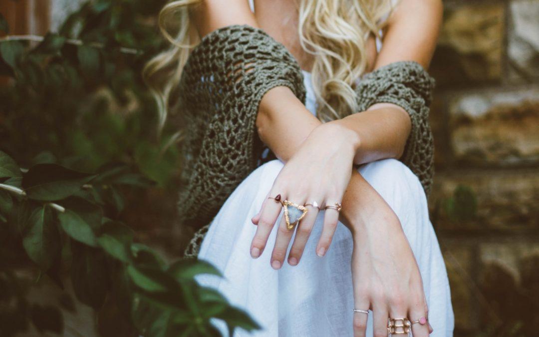 Rewitalizacja dłoni – jak odmłodzić dłonie?